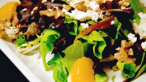 Salata sa orasima i hurmama