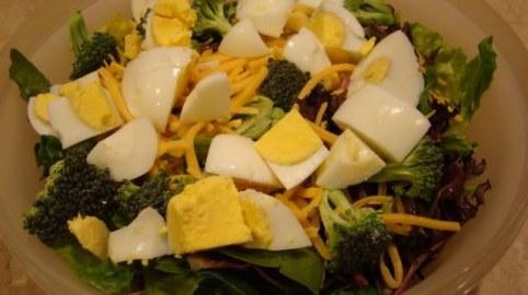 Uskršnja salata od brokula i jaja